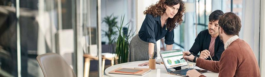 اهمیت رفتار حرفه ای در محل کار را درک کنید