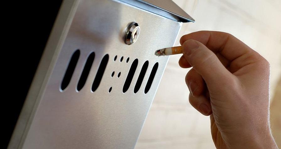 با آداب سیگار کشیدن در اجتماع آشنا شوید