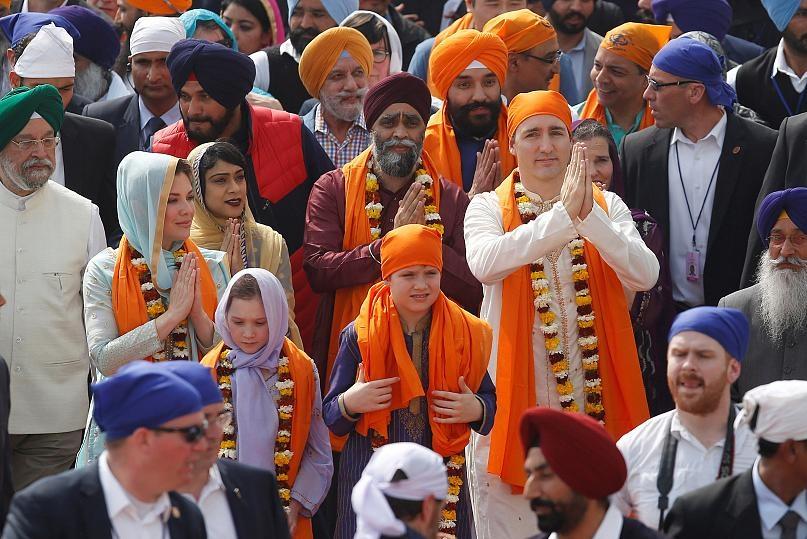 لباس «نخست وزیر کانادا» باز هم جنجالی شد: هند گردی های جاستین