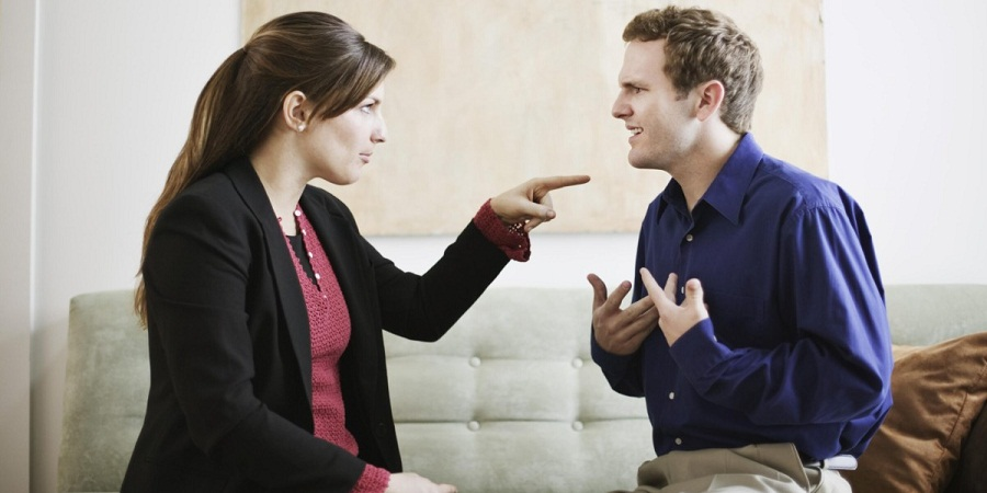 ۱۰ رفتاری که هرگز نباید اجازه دهید دیگران با شما داشته باشند