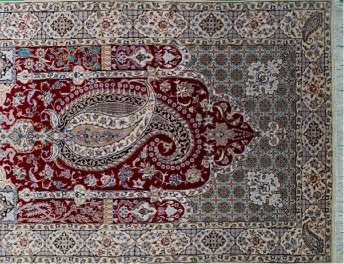 فرش دستبافت طرح بته جقه نایین