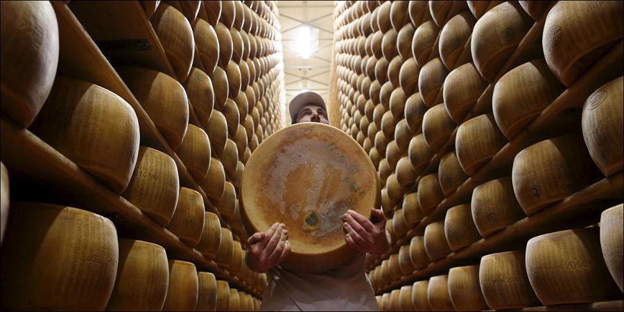 از پنیر تا شوینده لباس؛ با عجیب ترین اشکال پول در سراسر دنیا آشنا شوید