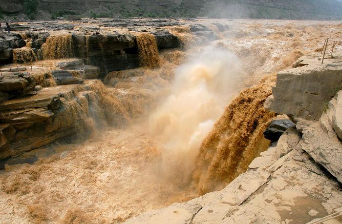 رودخانه آلوده