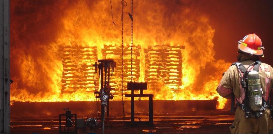 «بیمه آتش سوزی»: انواع شرایط، انواع اموال و انواع خطرات اضافی بیمه نامه آتش
