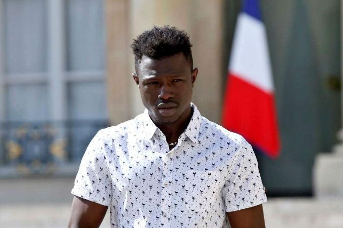 «مرد عنکبوتی» اهل مالی بعد از نجات یک کودک در پاریس، شهروندی فرانسه را دریافت کرد