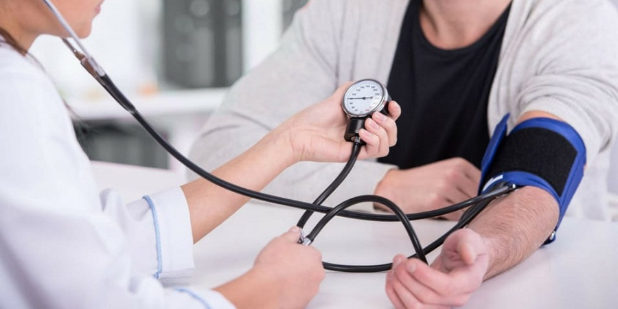 مراجعه به پزشک و آزمایشات پزشکی