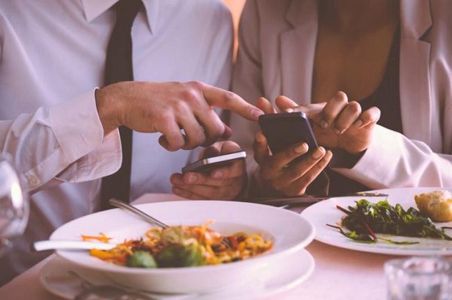 آداب استفاده از تلفن همراه