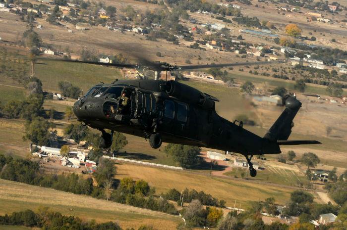 10 Blackhawk UH 60 w700 روزیاتو: با ۱۰ هلی کوپتر نظامی گرانقیمت و قدرتمند کلاس جهانی آشنا شوید اخبار IT