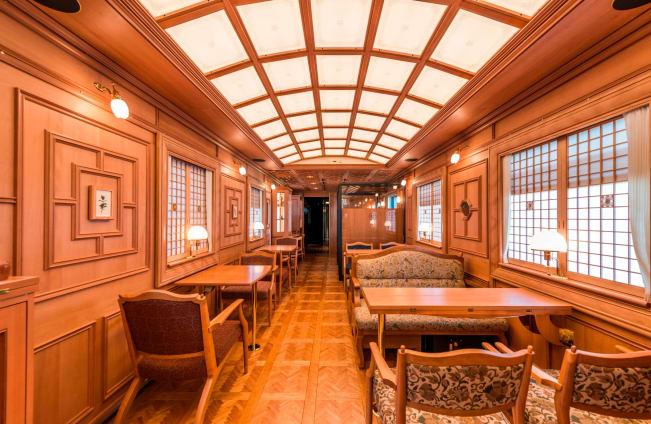 نگاهی به امکانات لوکسترین قطار مسافربری جهان در کشور ژاپن