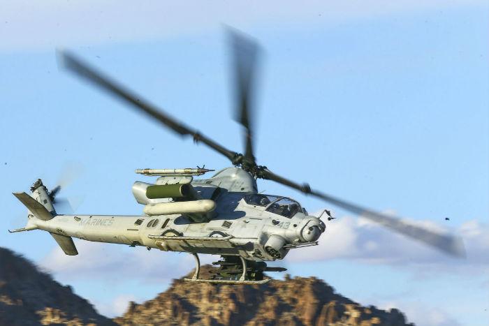 8 AH 1 Viper helicopter w700 روزیاتو: با ۱۰ هلی کوپتر نظامی گرانقیمت و قدرتمند کلاس جهانی آشنا شوید اخبار IT