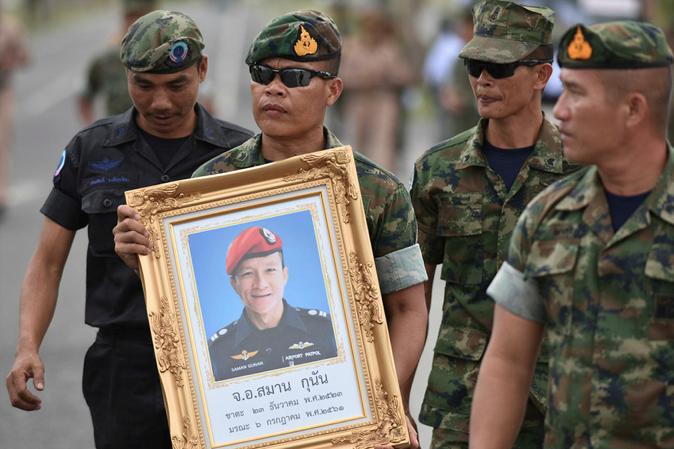 عملیات نجات نوجوانان تایلندی گرفتار شده در غارهای شمال کشور اولین قربانی خود را گرفت