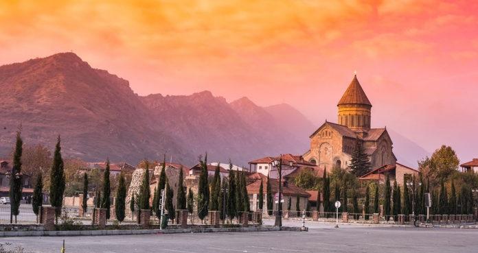 هزینههای سفر زمینی ارزان به گرجستان با اتوبوس: تفلیس
