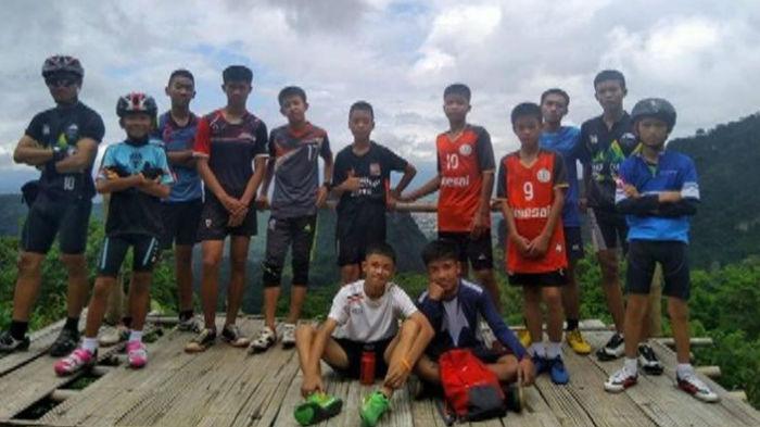 کودکان تایلندی گرفتار در غار