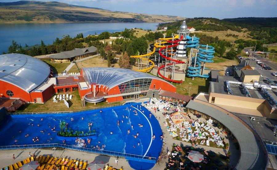 لذت بازی و شنا در پارک آبی جینو پارادایس تفلیس