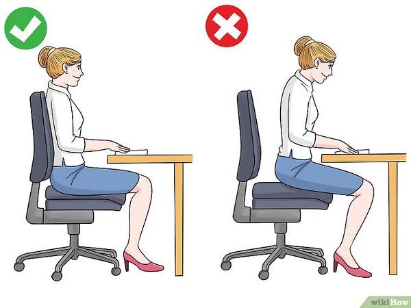طرز نشستن پشت کامپیوتر