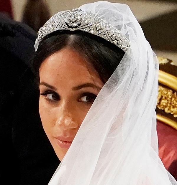 تاج های زنان سلطنتی