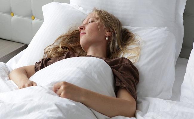 تأثیر خواب بر پوست