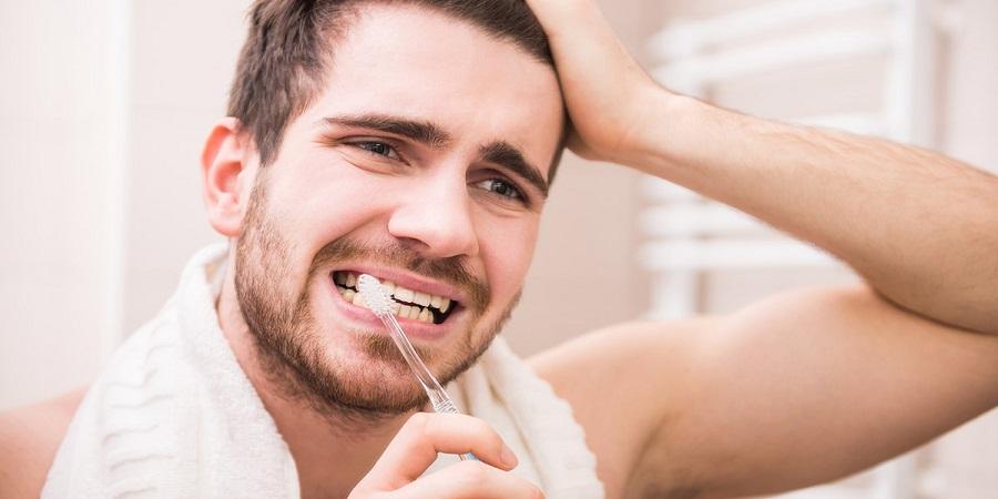 ۶ عادت بهداشتی که نمی دانید به دندان هایتان آسیب می زنند