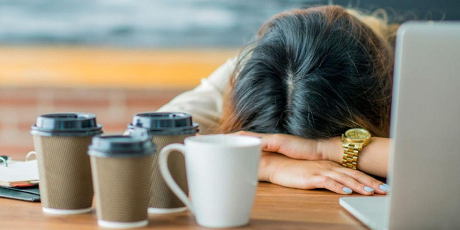 ۱۰ کاری که وقتی خسته هستید هرگز نباید انجام دهید