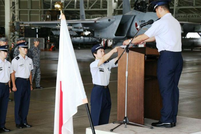 زن ژاپنی خلبان