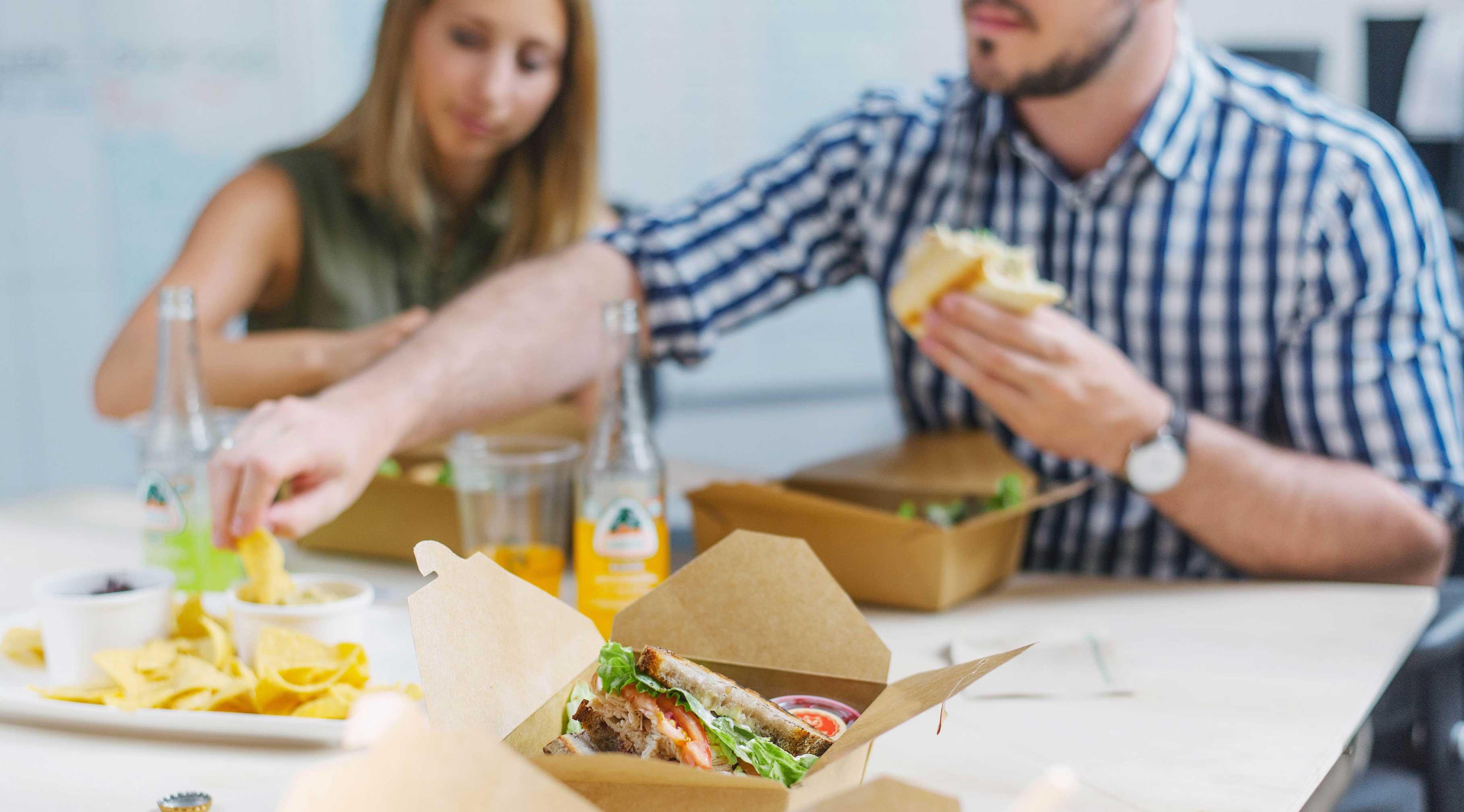 آداب غذا خوردن در شرکت