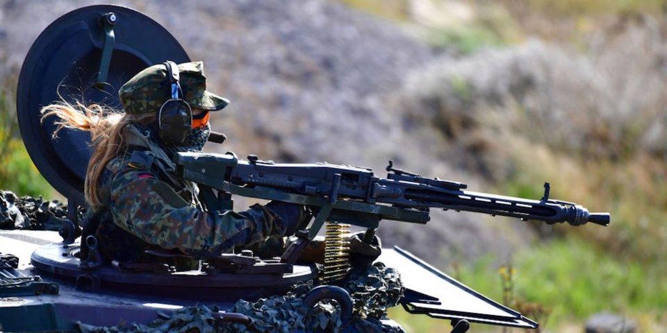زنان ارتشی کشورهای مختلف جهان
