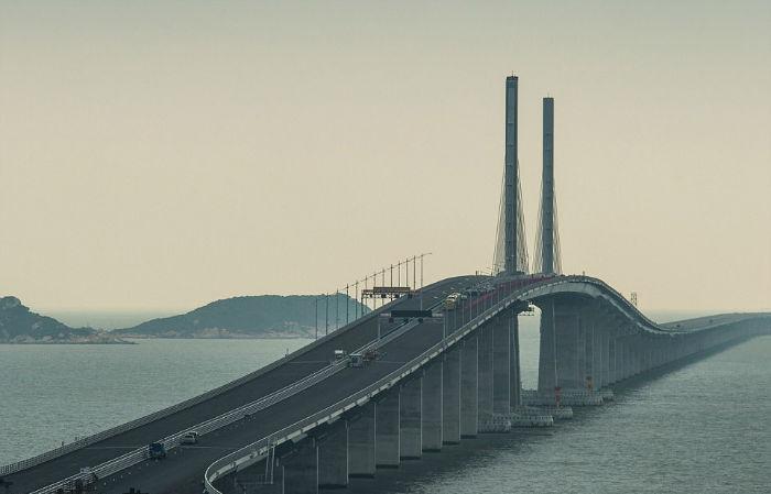 بلندترین پل دریاگذر جهان که هنگ کنگ، ماکائو و چین را به هم متصل کرده است