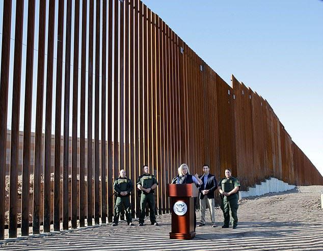 دیوار مرزی