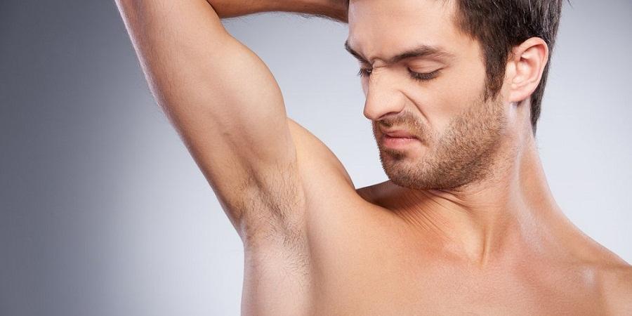 از بو و خارش تا درد و برآمدگی؛ ۶ علامت بیماری که در زیر بغل ظاهر می شود