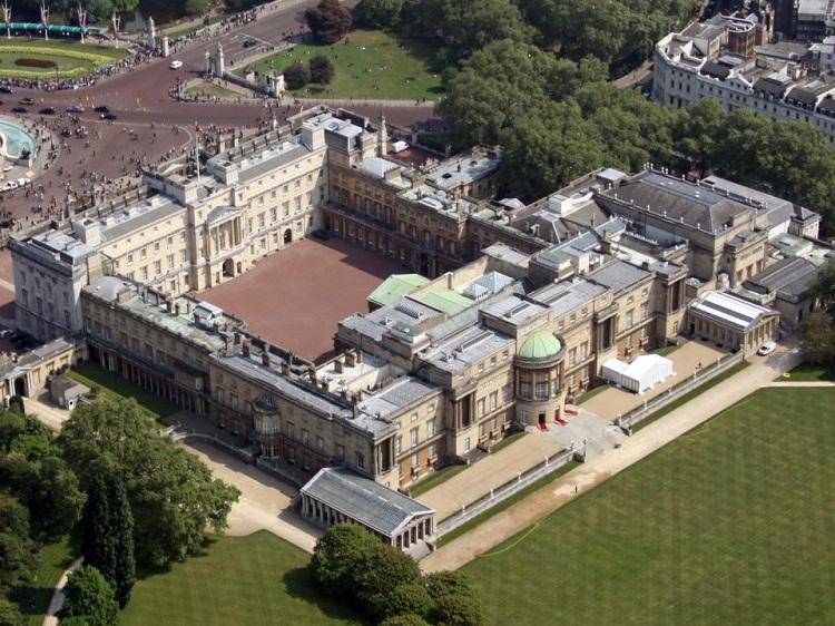 املاک خاندان سلطنتی بریتانیا