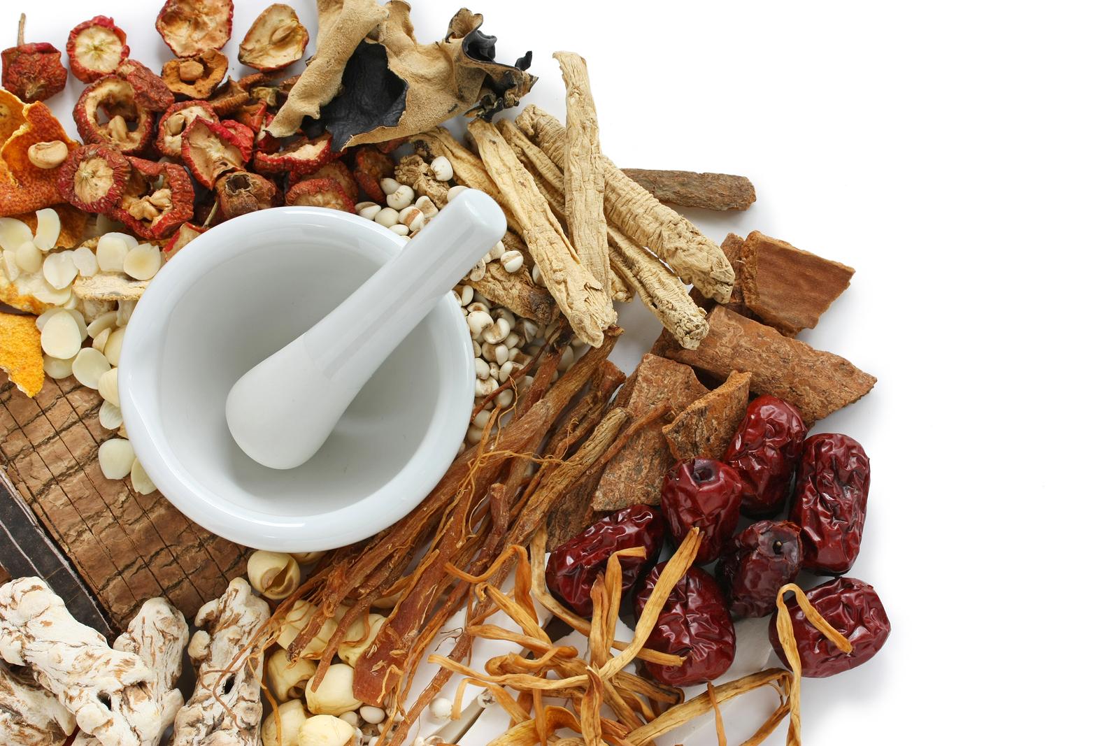 طب سنتی یا پزشکی مدرن؟ کدام یک بهتر است؟