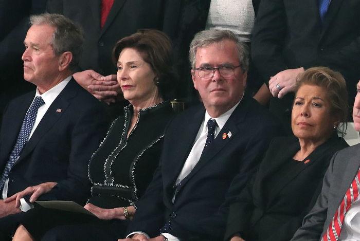 دونالد ترامپ و ملانیا در مراسم تدفین جرج دبلیو بوش