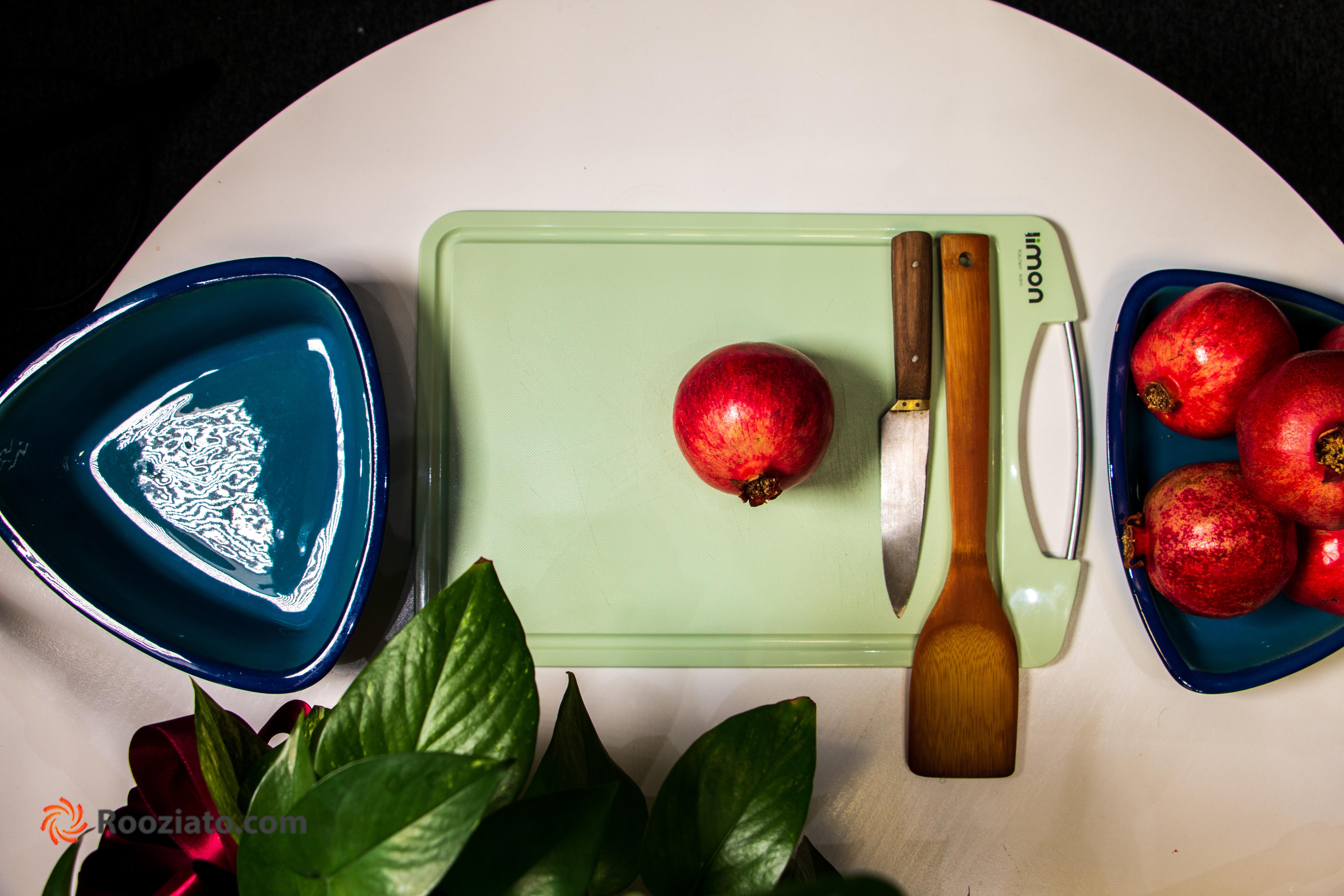 چگونه انار را در عرض چند ثانیه دانه کنیم؟