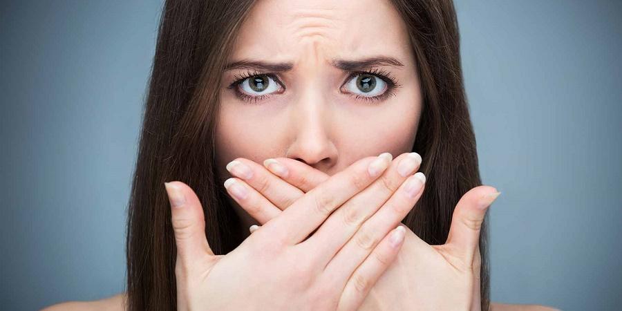 با ۱۲ علت اصلی بوی بد دهان آشنا شوید