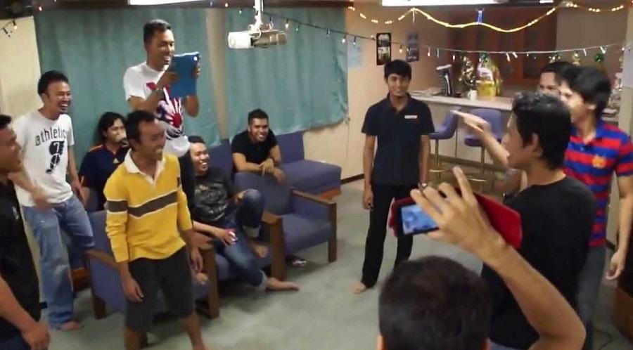 بازی گروهی شاد برای شب یلدا