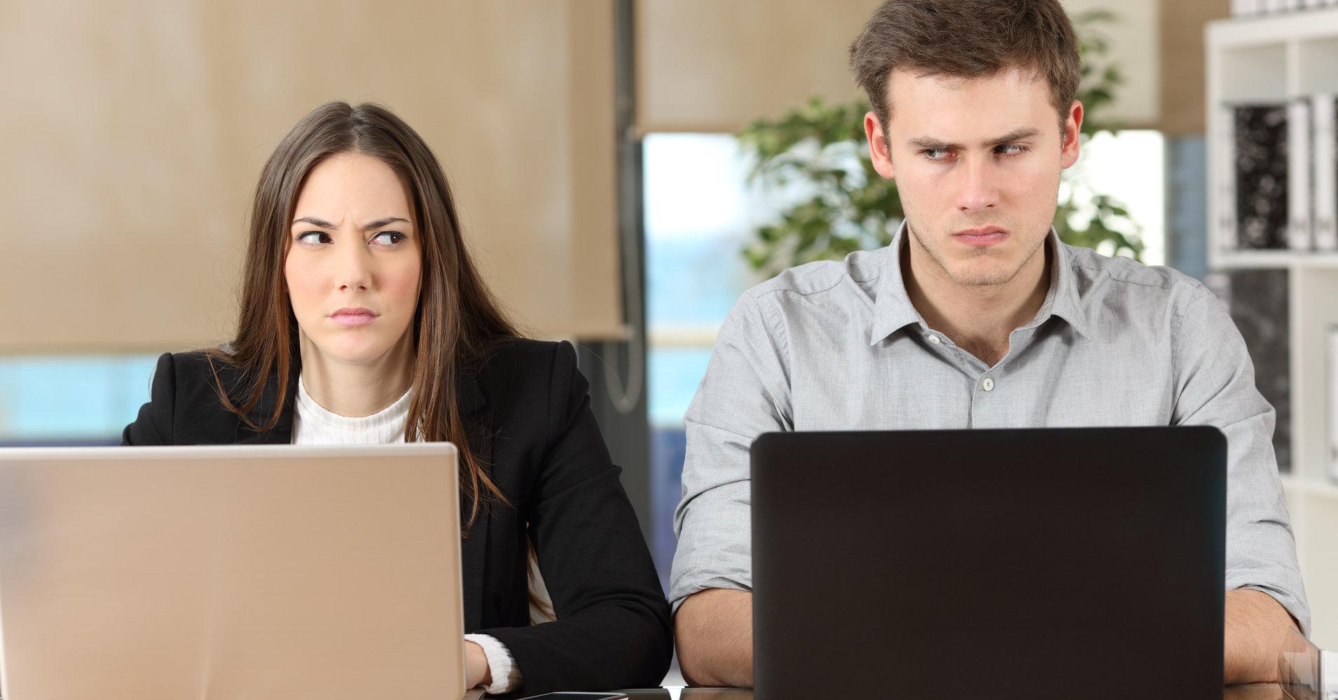 با همکار مشکل ساز و بی ادب چگونه رفتار کنیم؟