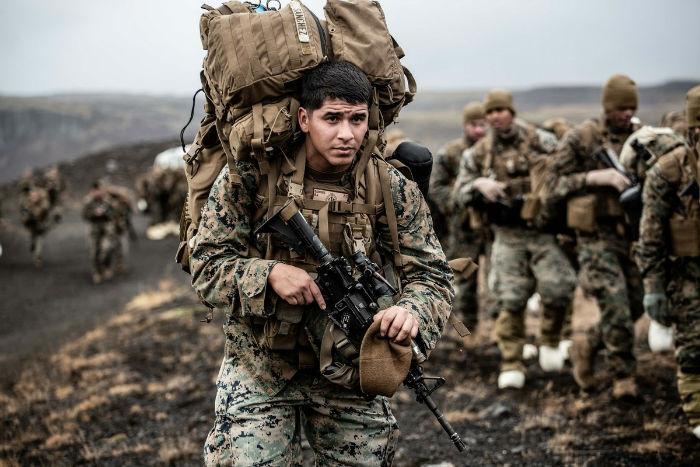 باربرهای انسانی؛ چرا سربازان آمریکایی تا به این حد بار و تجهیزات حمل می کنند؟