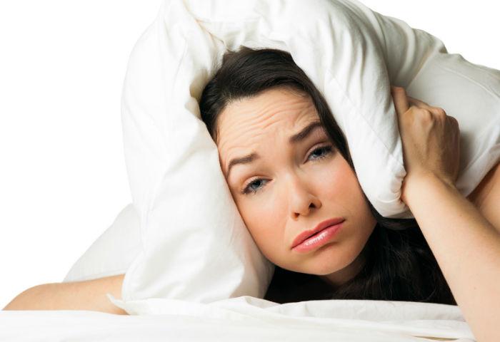 تکنیک های شکست بی خوابی؛ چطور در عرض ۱۰، ۶۰ و ۱۲۰ ثانیه به خواب برویم؟