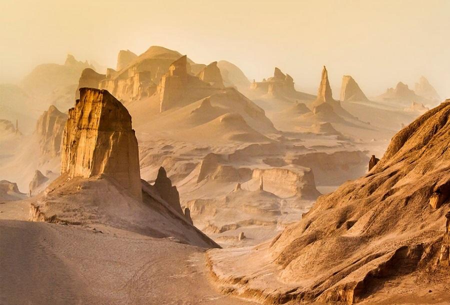 سفر به شهداد ؛ بزرگترین شهر خیالی جهان