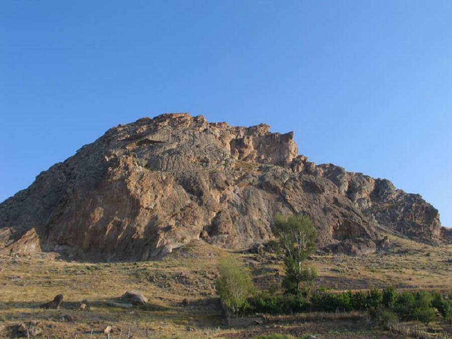 بوینی یوغون ؛ تنها قلعه آدمخوار ایران