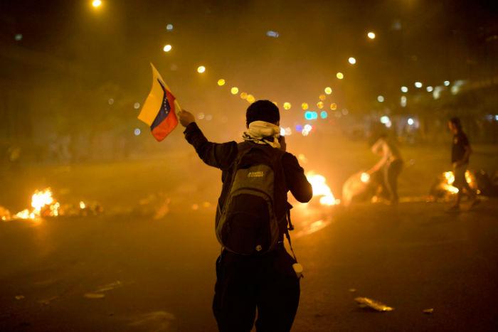 جدیدترین تحولات ونزوئلا؛ بعد از ژنرال بلند پایه، سفیر مادورو در عراق نیز به مخالفان پیوست