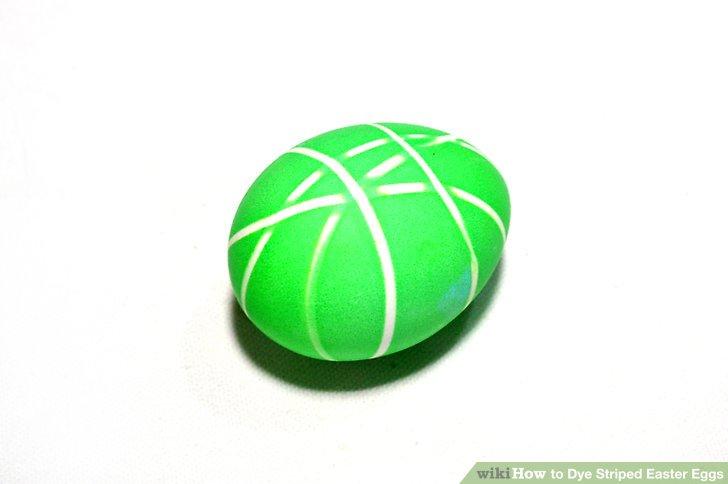 آموزش تصویری رنگ کردن تخم مرغ به صورت راه راه با کمک چسب