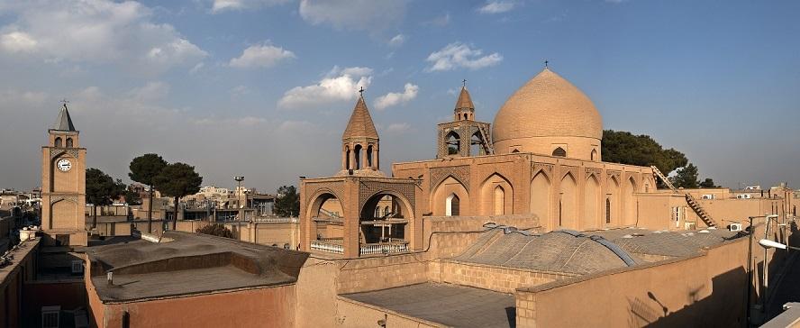 کلیسای وانک اصفهان / تار موی دختری 18 ساله که جملهای از تورات روی آن نوشته شده است