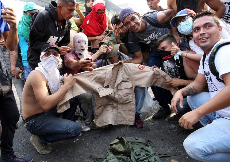 فرار سربازان از ونزوئلا