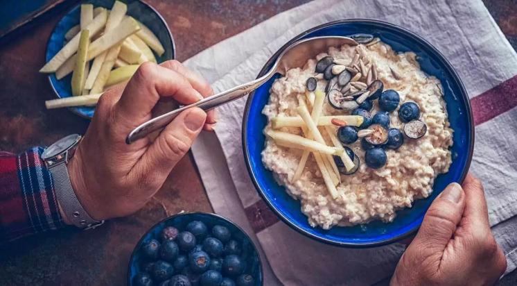 رژیم غذایی سالم؛ روزانه چقدر باید چربی، شکر و غلات کامل بخوریم و چقدر میخوریم