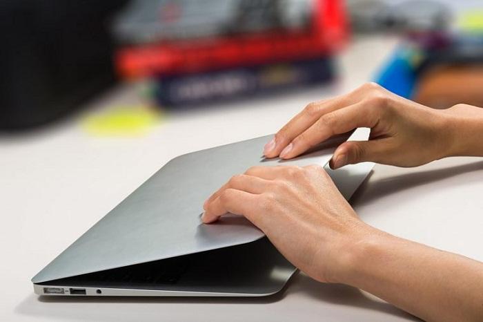 ۱۱ توصیه برای محافظت از باتری لپ تاپ و افزایش طول عمر آن