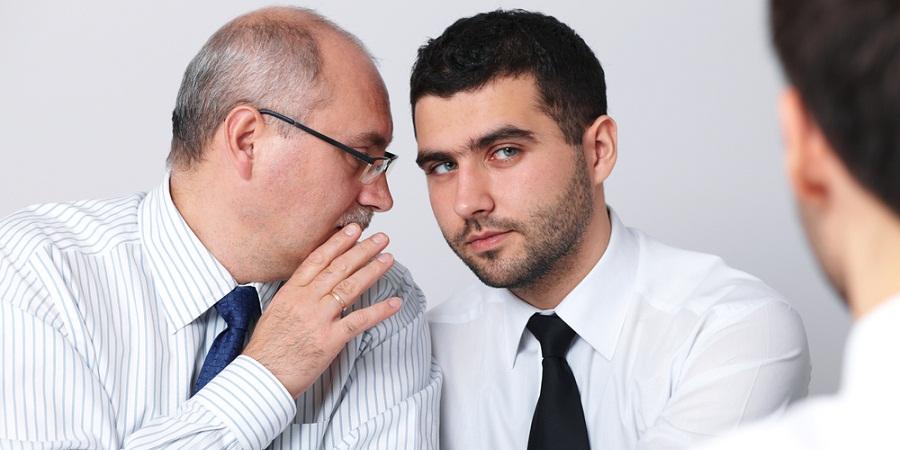 با اصول و آداب معاشرت در محیط کار آشنا شوید