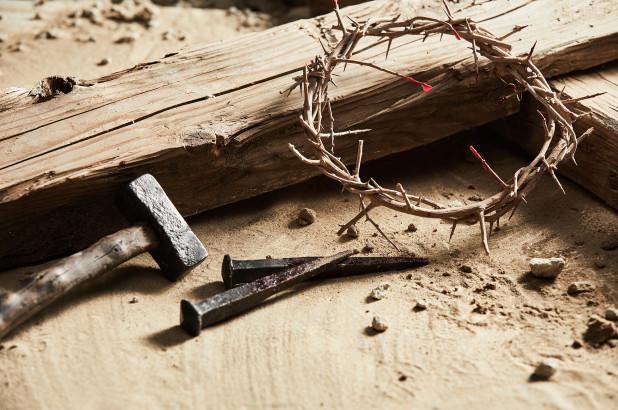 به صلیب کشیده شدن و تازیانه خوردن کاتولیک های متعصب فیلیپینی در «آدینه مقدس»