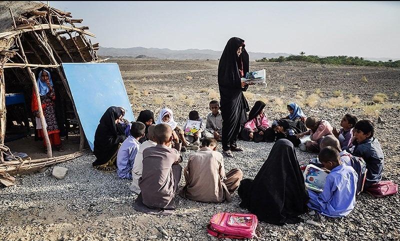 آموزش و پرورش درگیر «ساسی مانکن» و «تار کردن شیشه مدارس دخترانه»