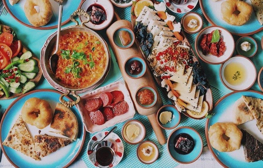چرا صبحانه های ترکیه در دنیا بی نظیر هستند؟